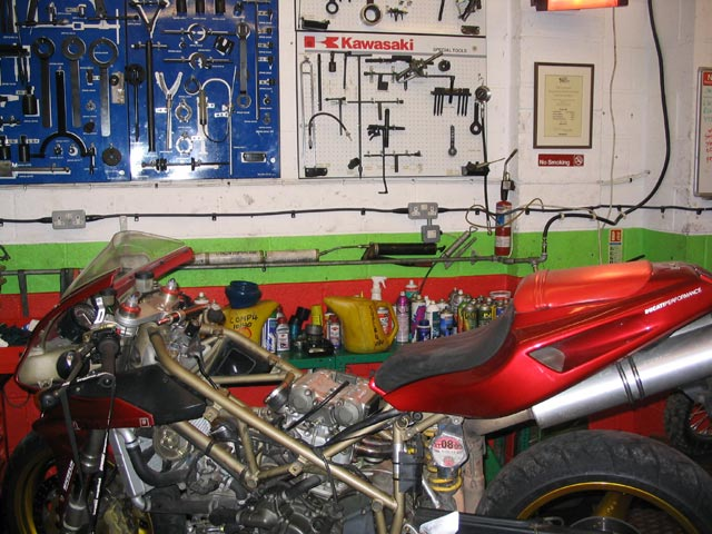 Image of Ducatis Love Expert Maintenance